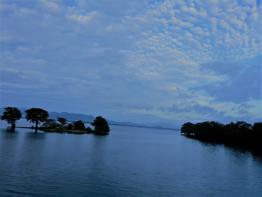 Udawalawe reservoir at sunrise before the start of the safari