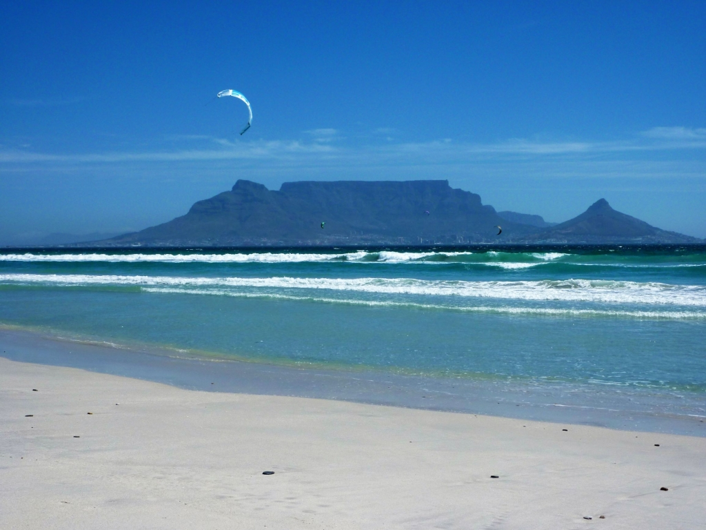 Kitesurfing at Bloubergstrand with a great view back to Table Mountain