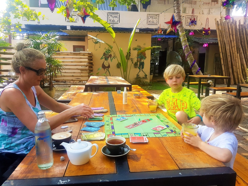 We grabbed a Monopoly set from our guest house and had a leisurely breakfast @ Bedspace Cafe in Unawatuna
