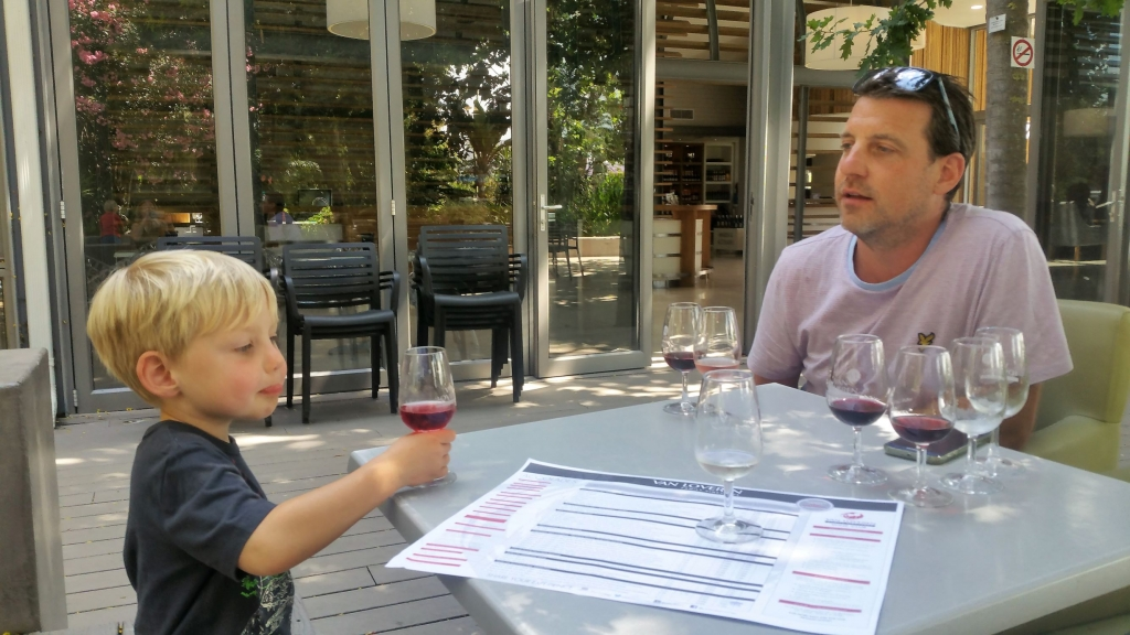 Family friendly wine tasting at Van Loeveren wine estate