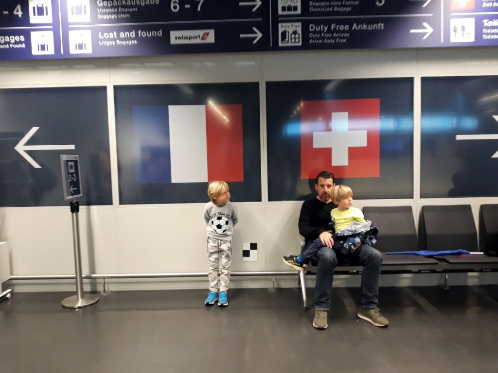 Left for France or right for Switzerland in Basel airport