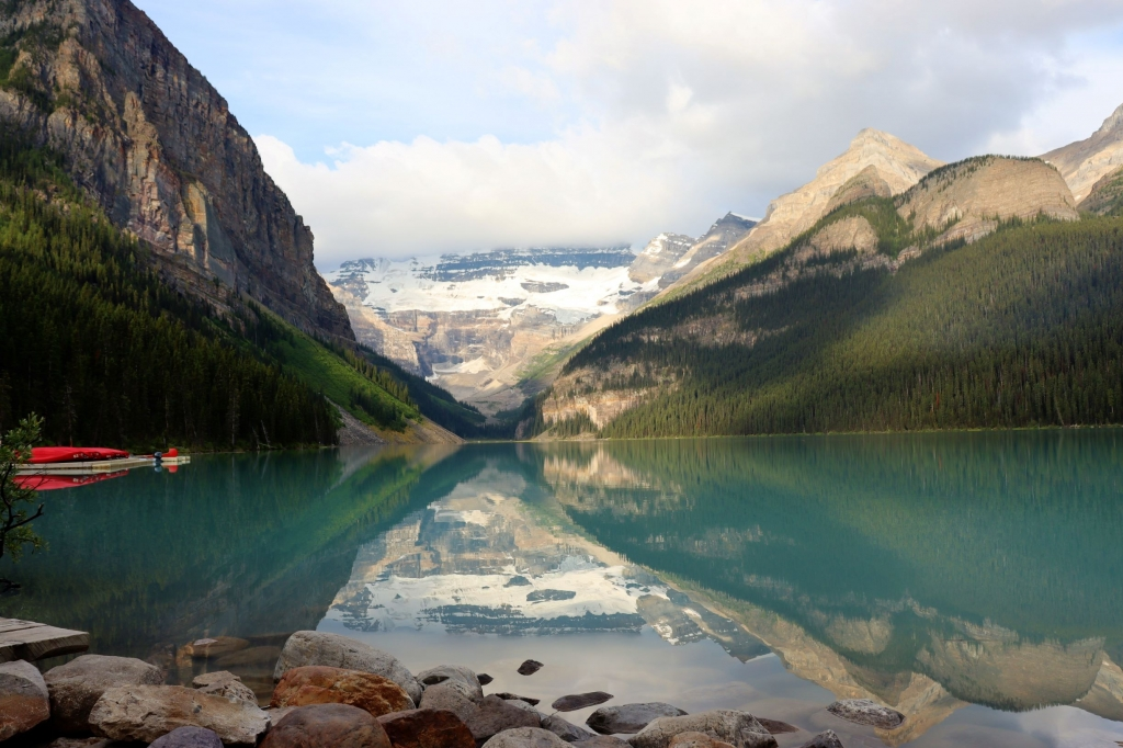 Stunning early morning view of Lake Louise