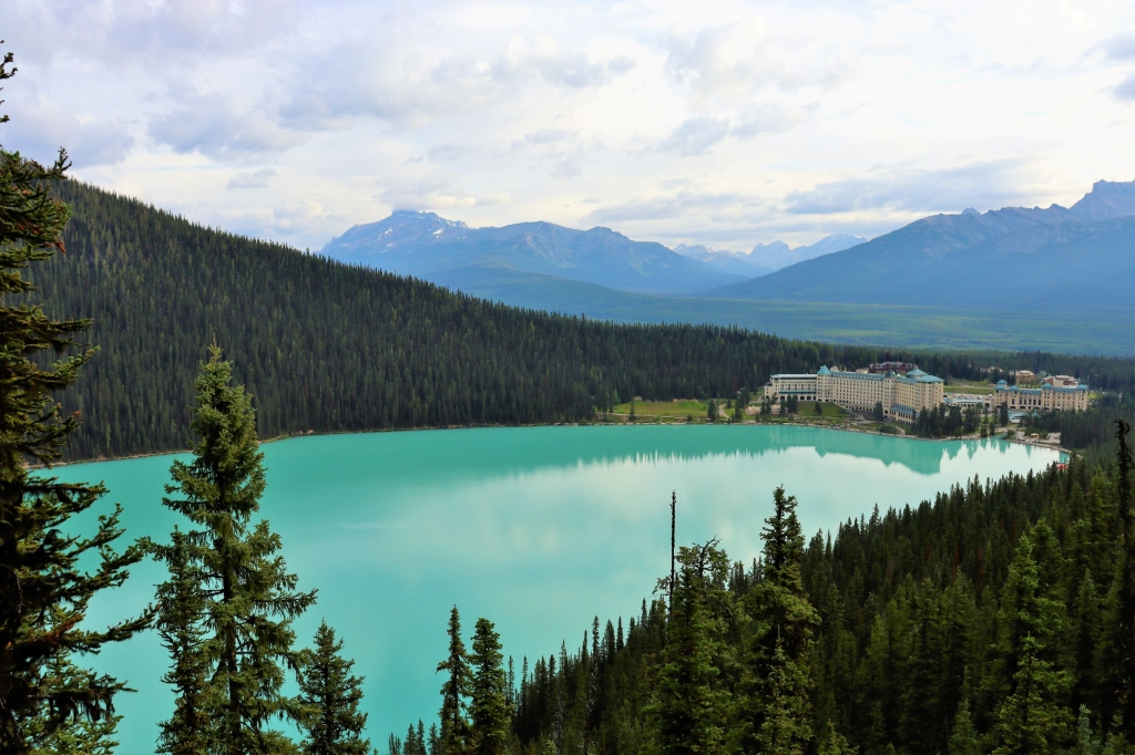 View of Fairmont Chateau Lake Louise from the Fairview Lookout
