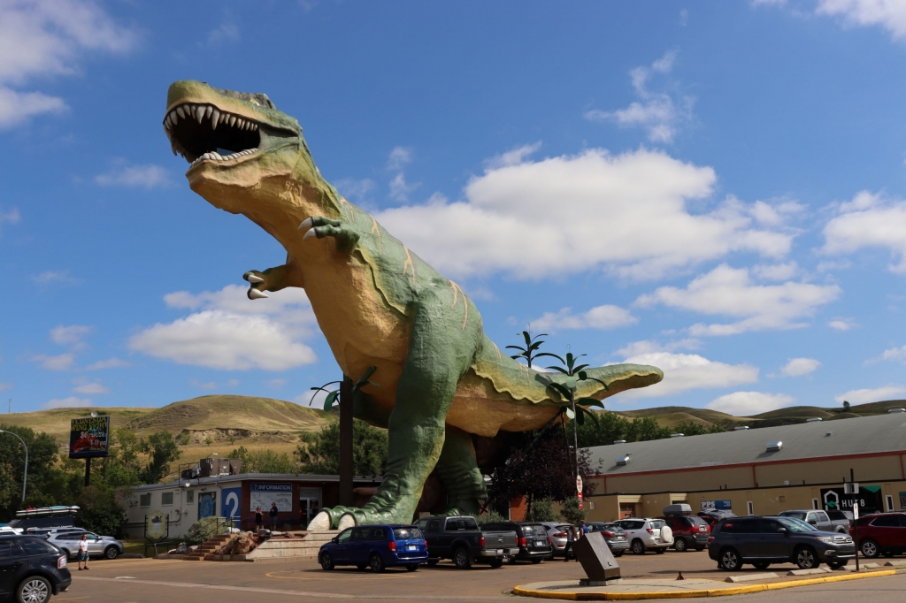 The World's Largest Dinosaur at the Tourist Office in Drumheller