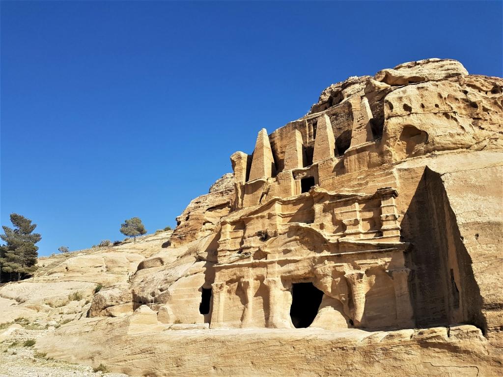 visiting Petra with kids: Bab al Siq