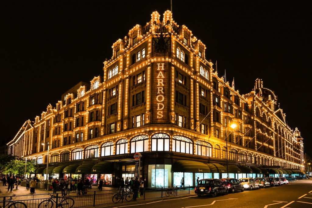 Harrods lit up at night with 12,000 lightbulbs