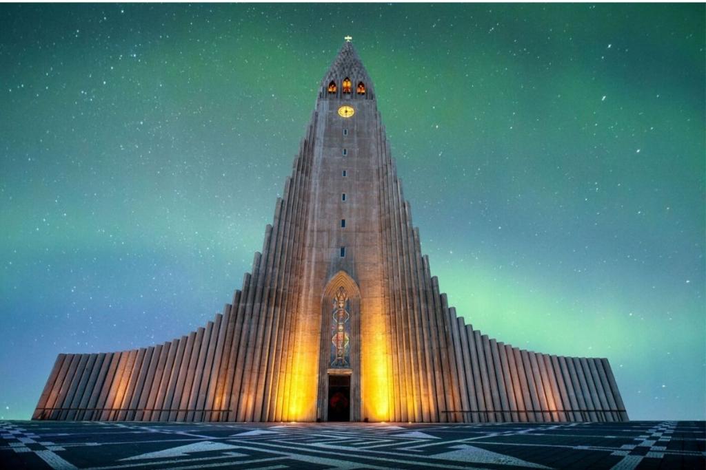 Hallgrimskirkja in Reykjavik with northern lights