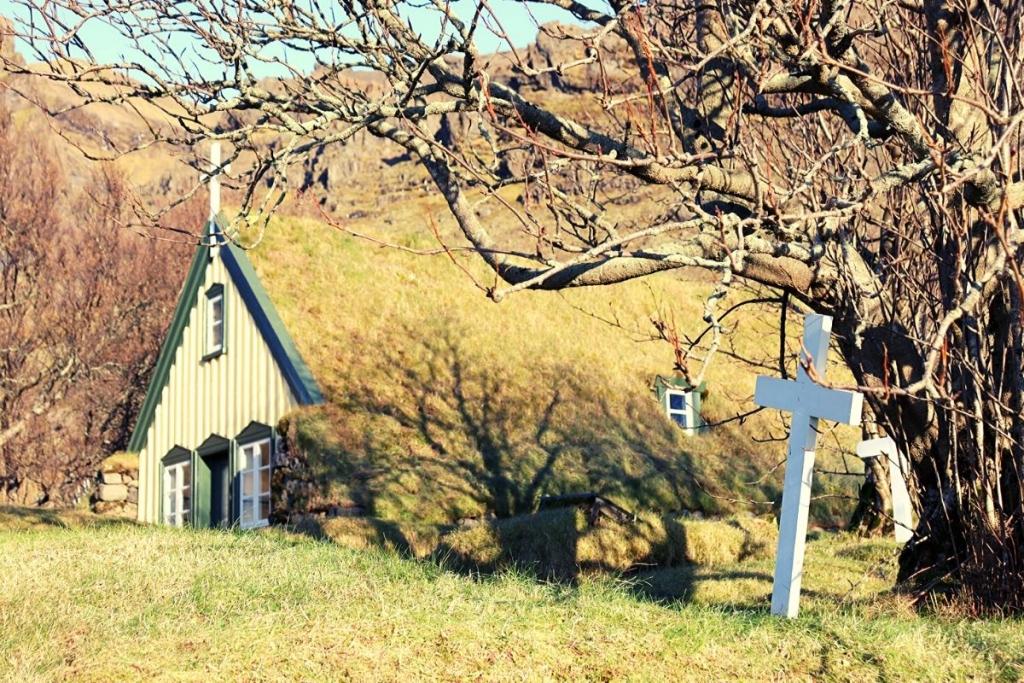 Turf church in Hof