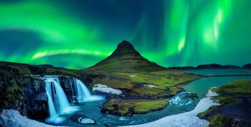 northern lights at Kirkjufell iceland