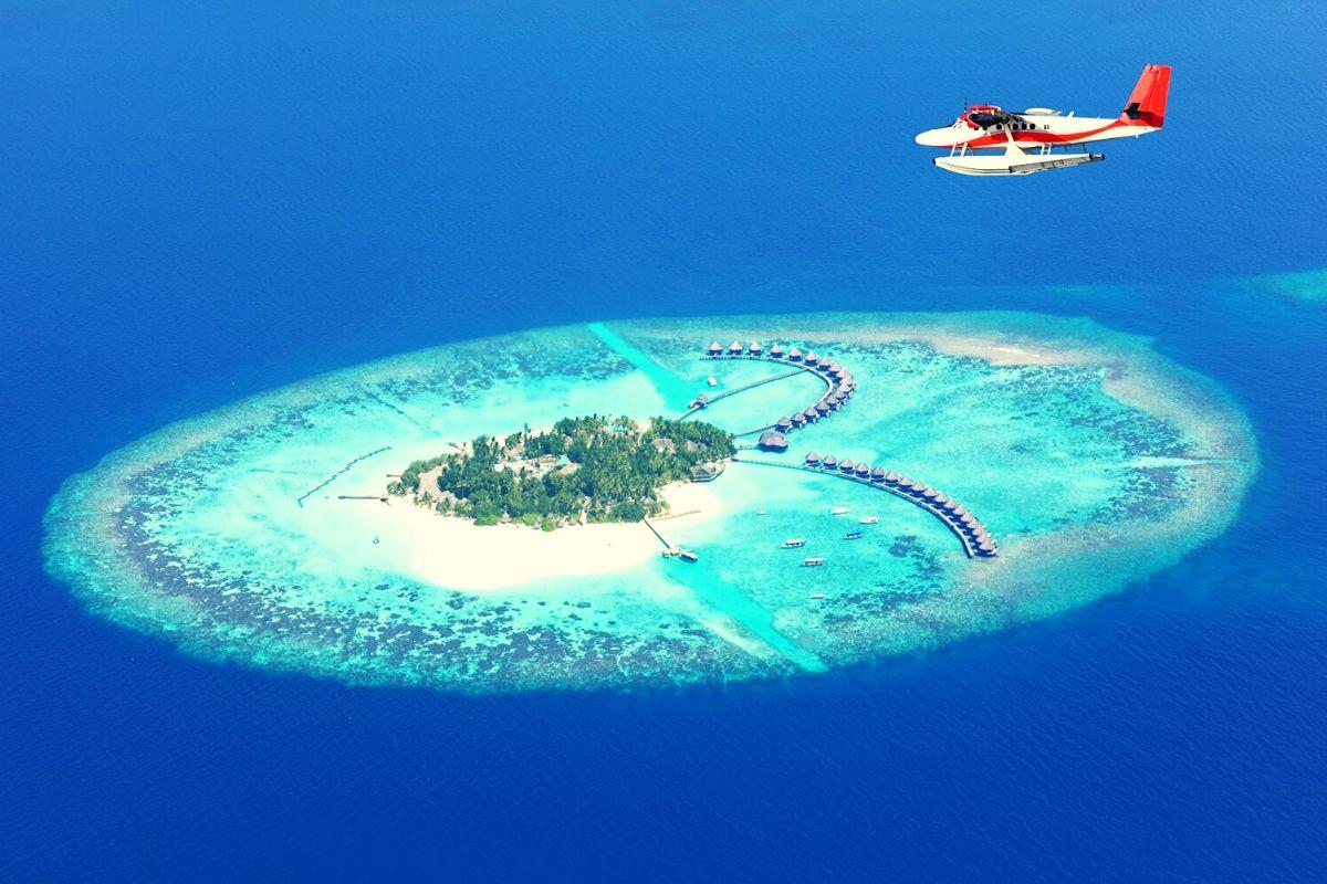 sea plane over Maldivian island