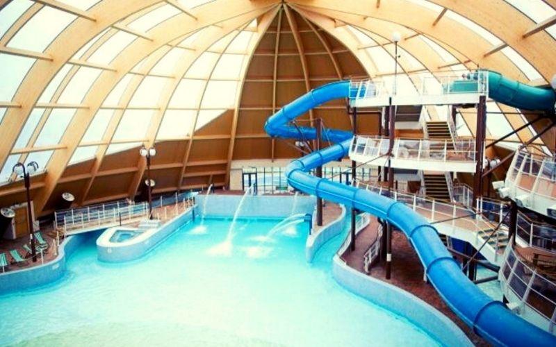 Blue Lagoon Waterpark at Bluestone for a cheaper alternative to Center Parcs