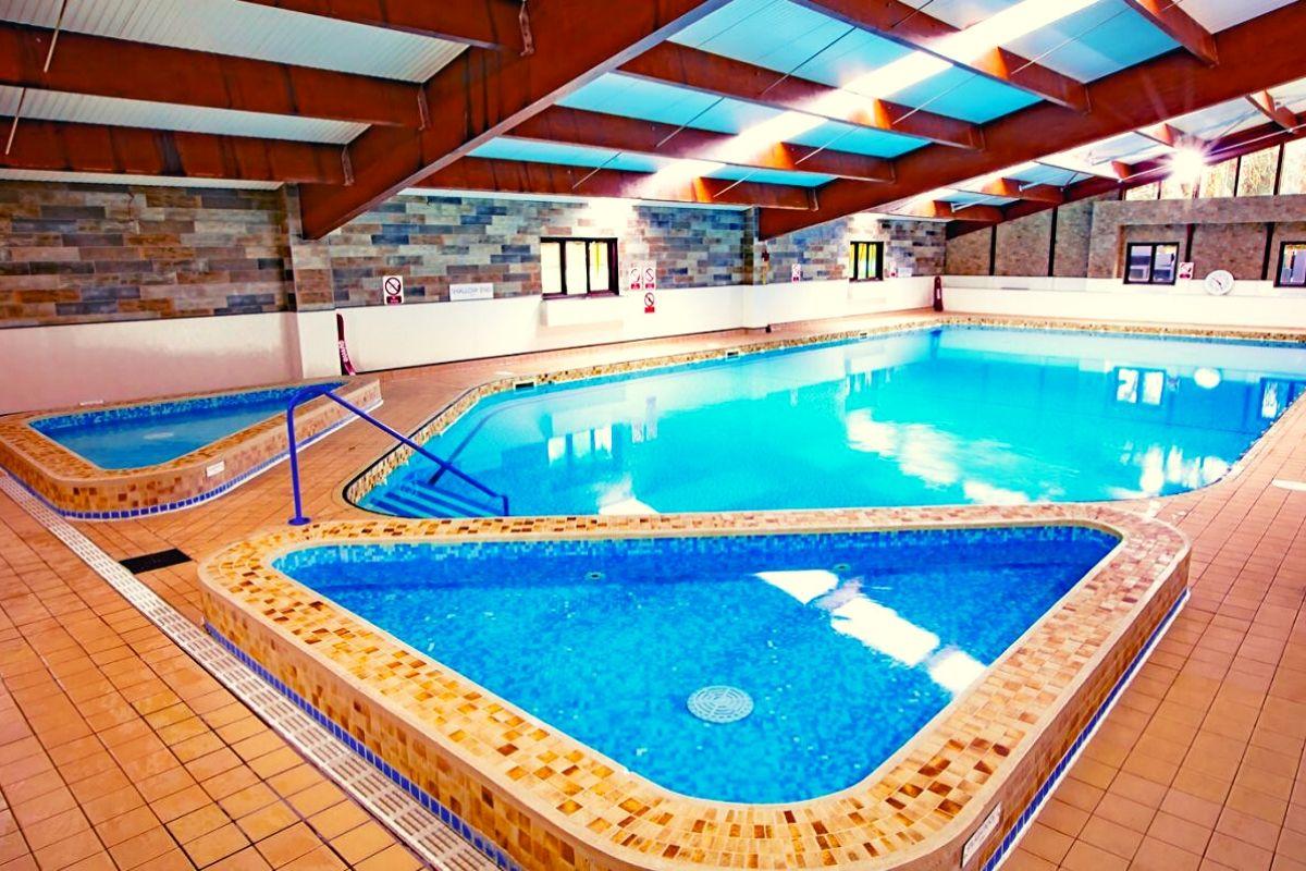 Sandyballs indoor pool area