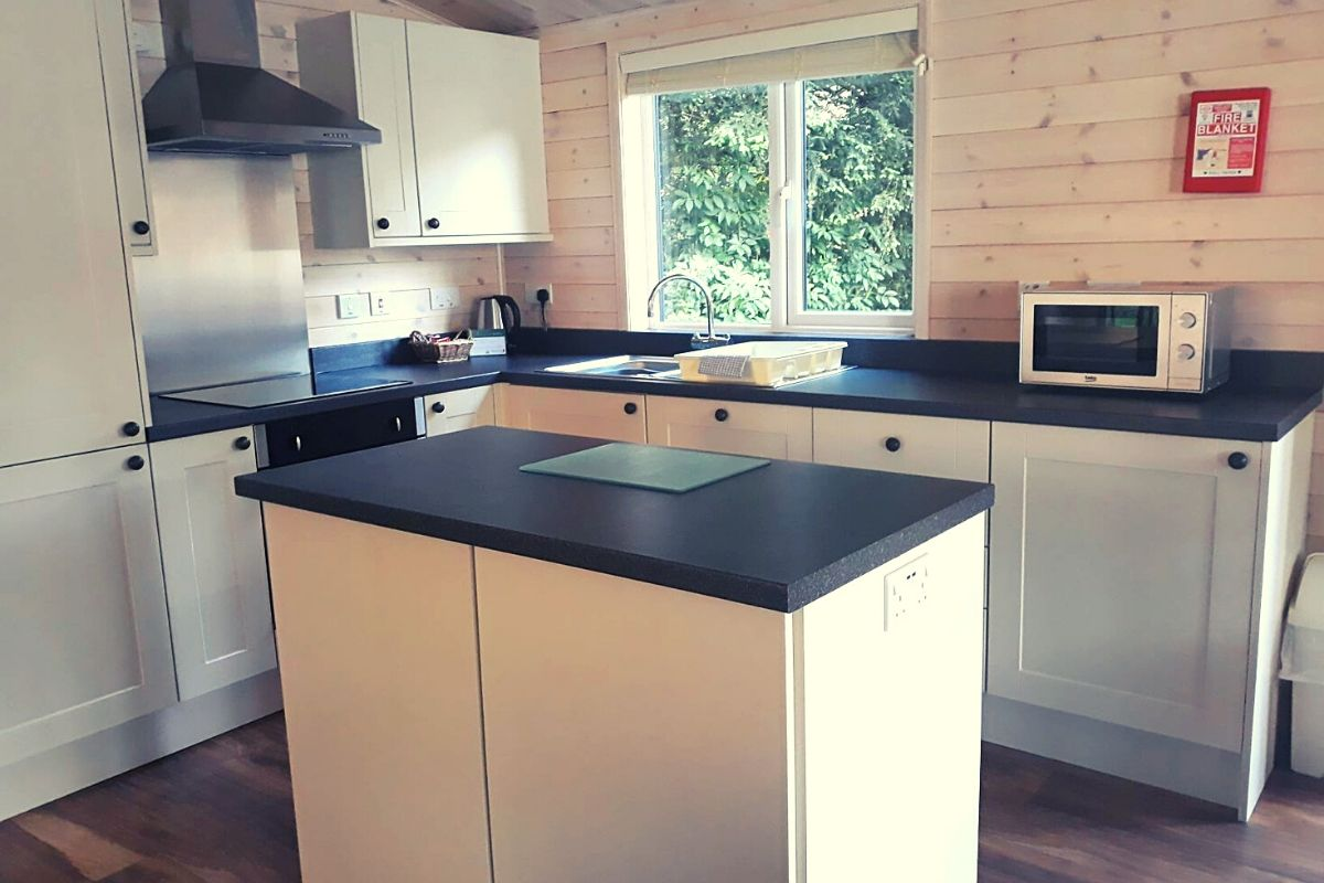Kitchen in the Landal Sandybrook lodge