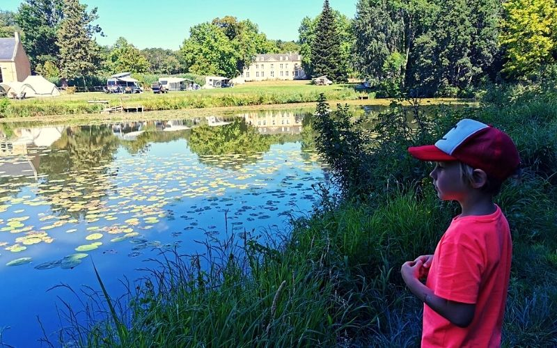 Camping by the lake at Chateau de Chanteloup