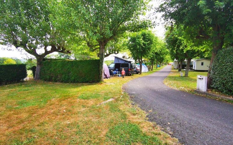 Camping pitches at Camping Les 4 Chênes