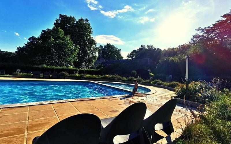 Child friendly swimming pools at Les Castels campsites