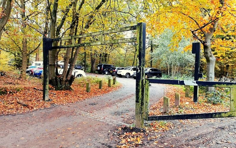 Height barrier at the East Car Park Broxbourne Woods