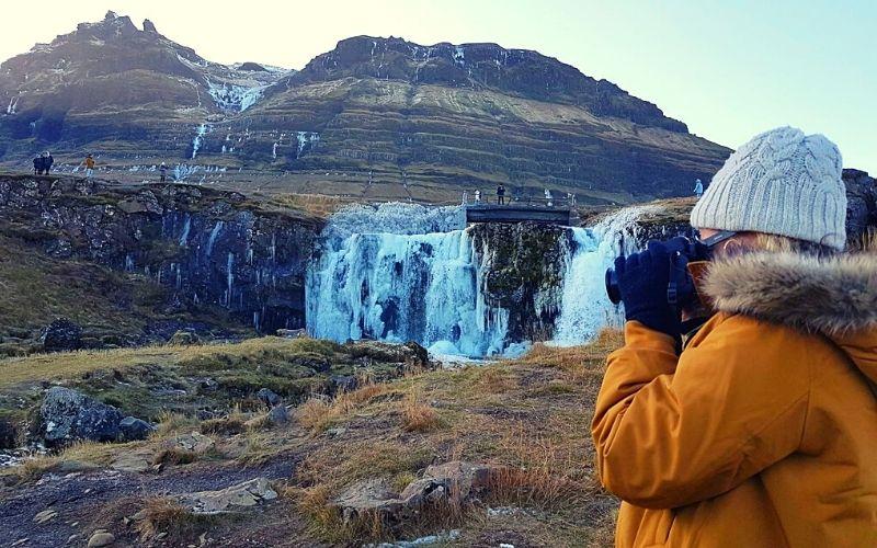 Kirkjufellsfoss in winter