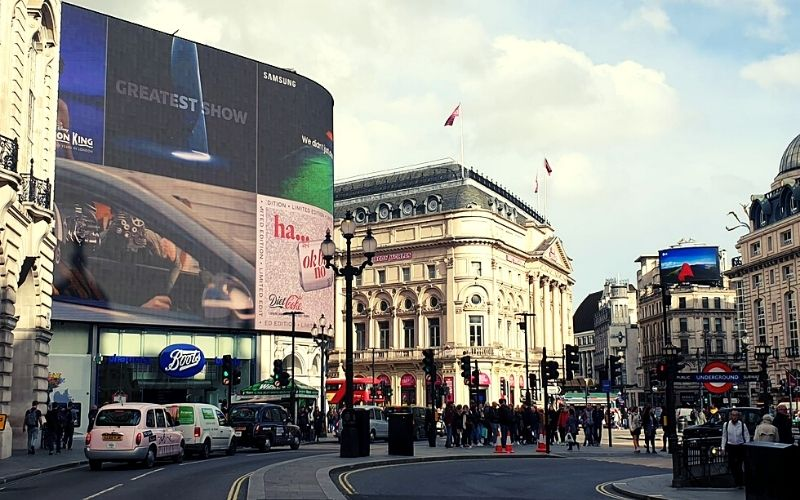 Piccadilly Circus in London