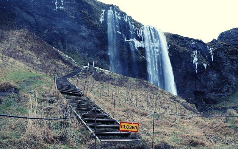 Seljalandsfoss path closed in winter