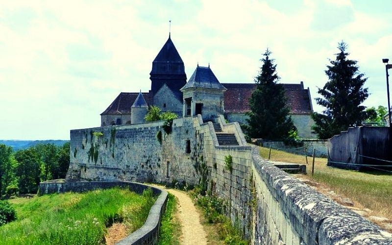 The ramparts at Coucy le Château