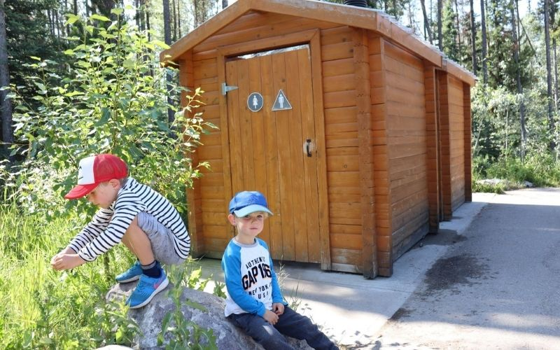 Toilets in the Athabasca Falls car park