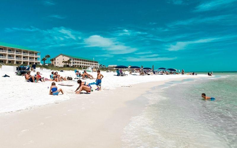 White sand beach in Destin, Florida
