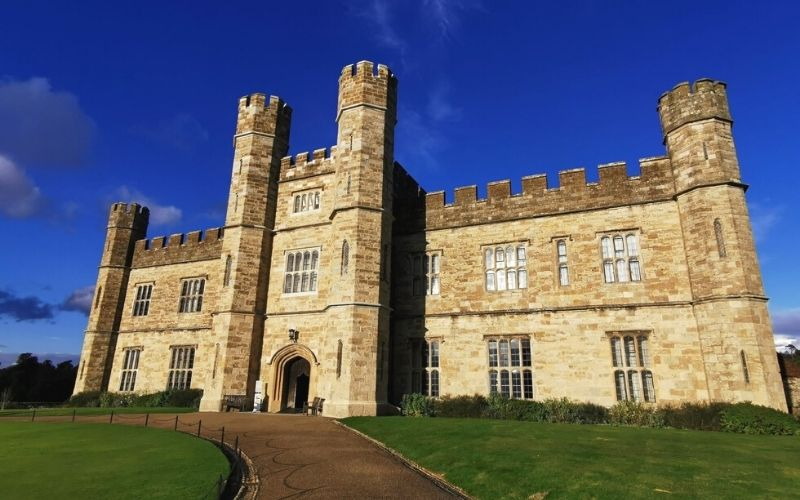 Jacobean Manor House at Leeds Castle