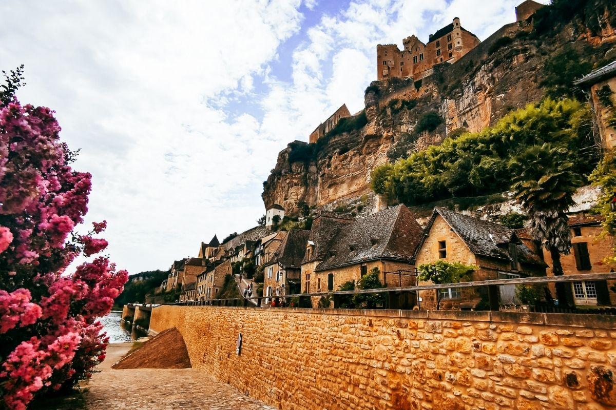 Chateau de Beynac in Beynac et Cazenac.