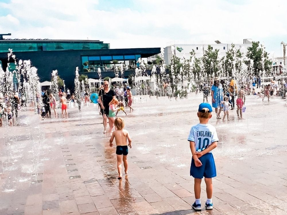The fountains at Granary Square.
