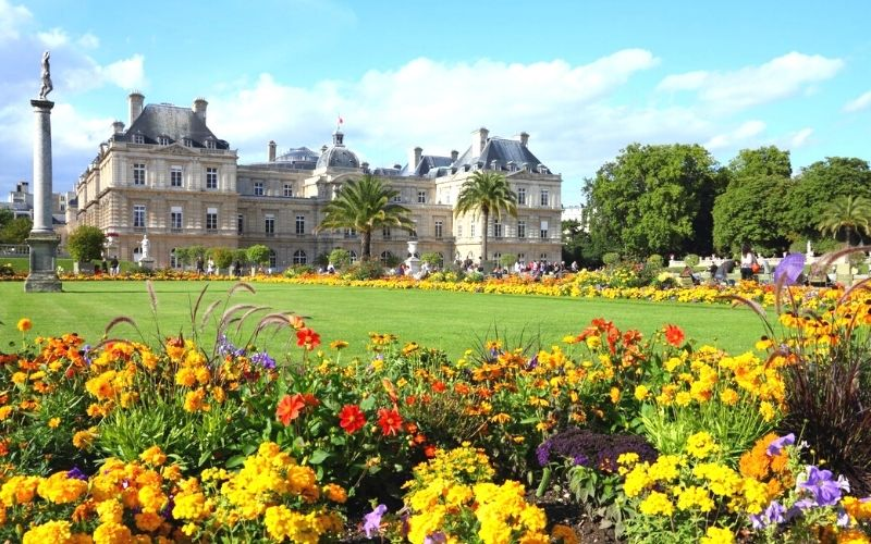 Louvre Museum and Jardin des Tuileries in Paris.