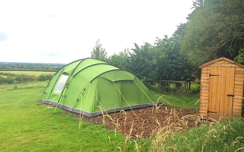 The Real Campsite in Oxfordshire with ensuite facilities.