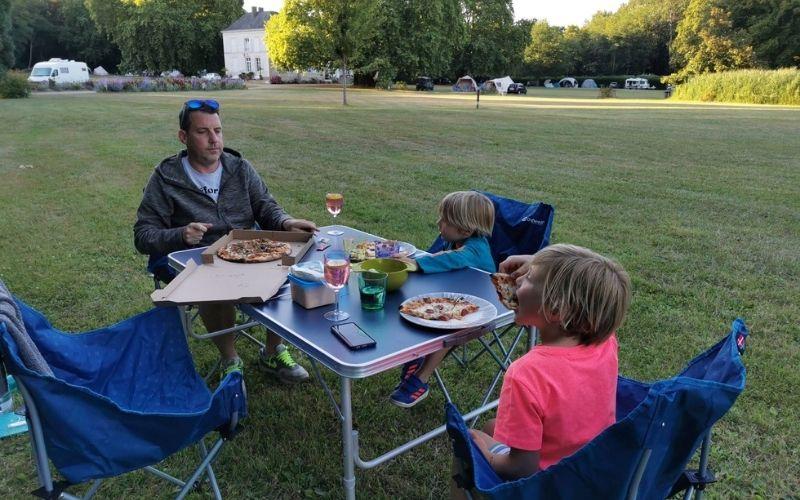 Pizza night at Château de Chanteloup.