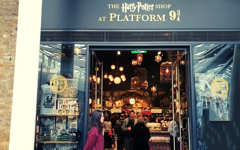 Find Harry Potter gifts for kids in the Harry Potter shop in London