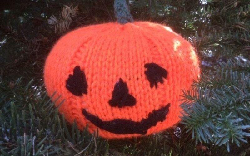 Knitted pumpkin
