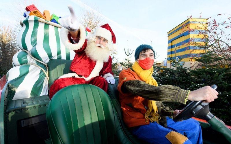 Santa in a sleigh at the Legoland Windsor Resort